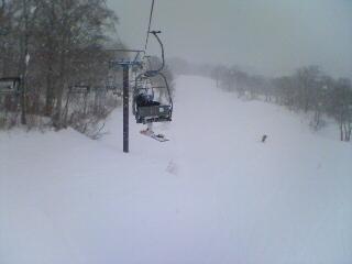 猛然と降雪中。。。